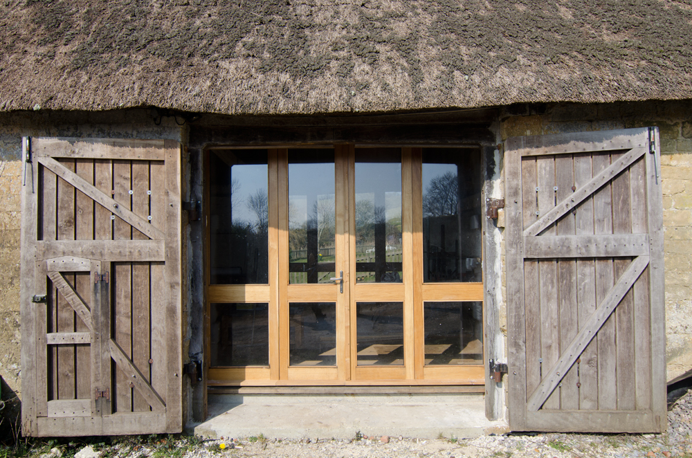 chideock barn bifold doors broadoak joinery